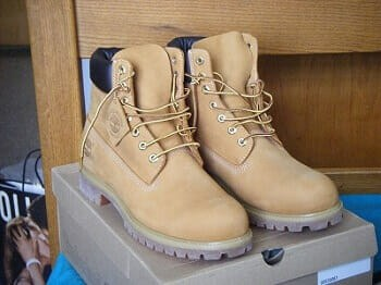 Cleaning Timberland Boots with White Vinegar